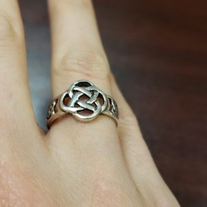 Jewelry - Celtic Knot Ring